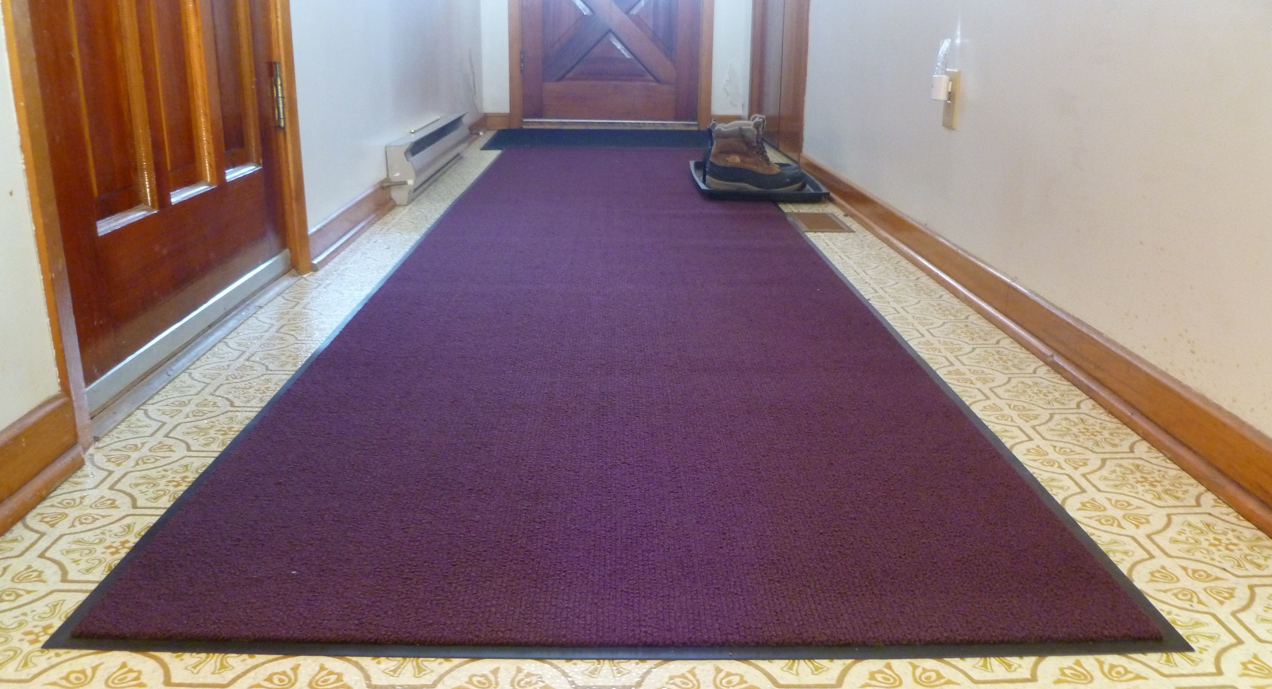 how to clean dry red wine from carpet